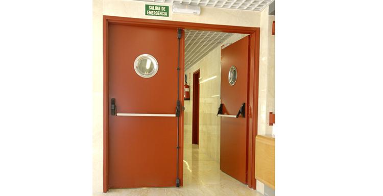 El Código Técnico de la Edificación incluye la norma para puertas en recorridos de evacuación