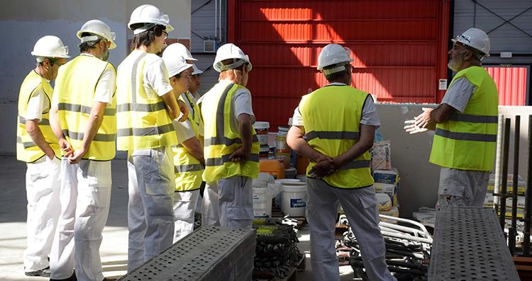 El número de trabajadores en la construcción creció un 8% en junio