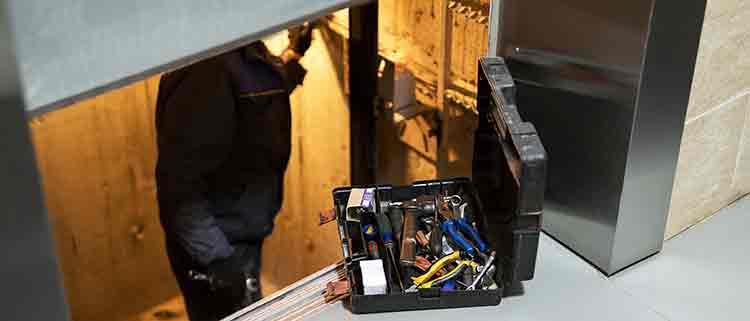 Feeda recuerda que el servicio de mantenimiento de los ascensores está activo