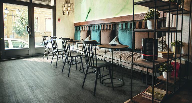 Adore Floors presenta sus suelos vinílicos distribuidos por Gabarró