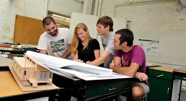 AECOM y CICE renuevan su acuerdo de colaboración para formar a estudiantes en el área de arquitectura