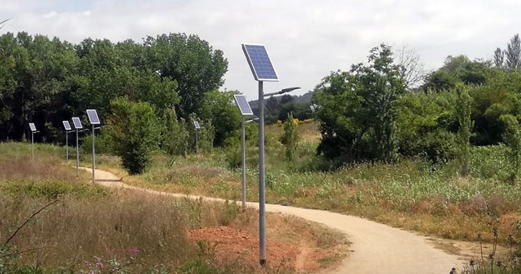 Ekiona instala veinticuatro farolas solares en Sant Cugat del Vallès