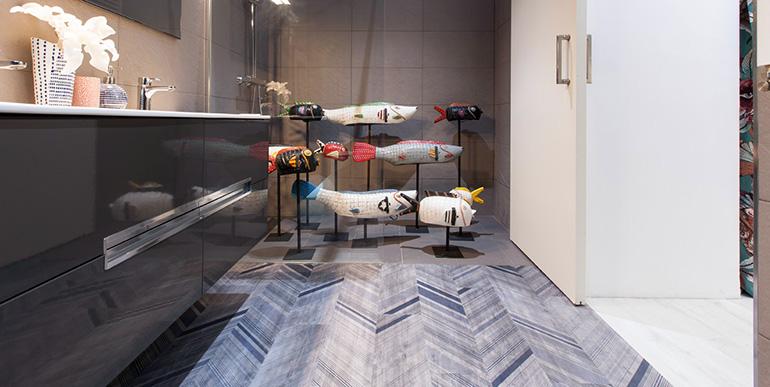 Gerflor pavimenta una vivienda rediseñada por In Out Studio en el barrio de Salamanca en Madrid