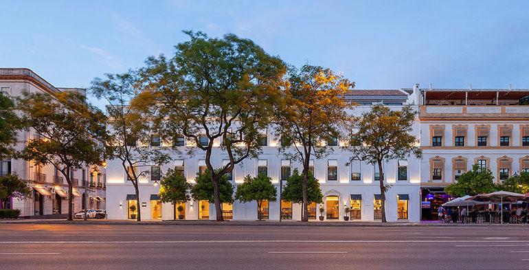 """El Hotel Kivir de Sevilla y el Mercado Sant Antoni de Barcelona reconocidos como """"Los edificios más eficientes de España"""""""