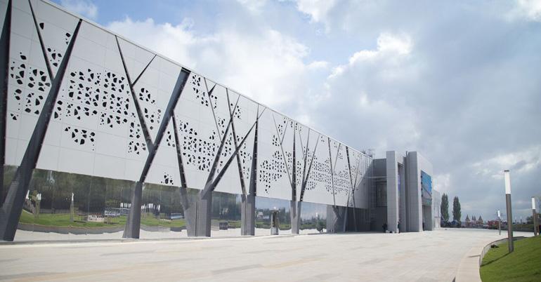 El sistema de fachada ventilada de Isopan se exhibe en el nuevo museo de historia rusa de Volgogrado