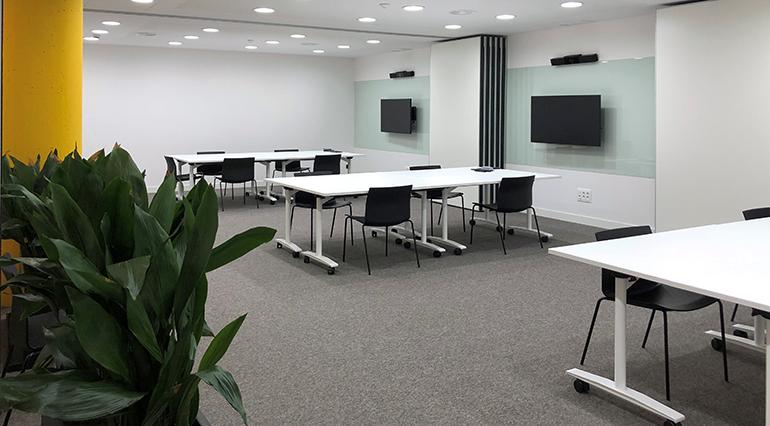 titan-pro-oficinas-pintura-sostenible-coworking