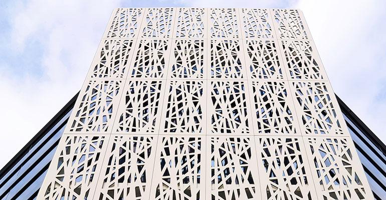Ulma recomienda las fachadas perforadas para lograr mejorar la eficiencia y aportar creatividad a los edificios