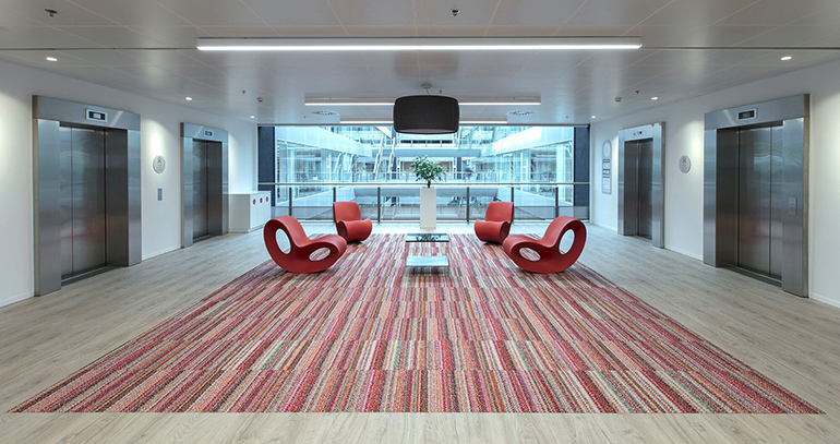 Techos Armstrong para crear edificios más sostenibles