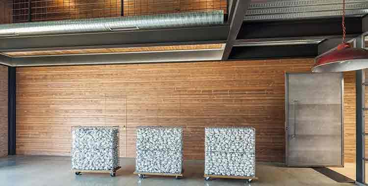 Solución Madera Maciza en Oficina Ramos Proyectos y Obras en A Coruña