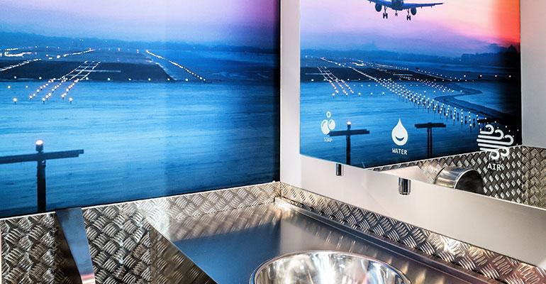 Mueble de baño compacto y multifunción en diseño minimalista