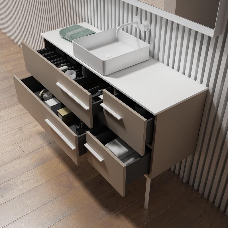 Tercera propuesta Colección Play, Mueble de 4 cajones con tirador Incolor con lavabo y encimera sobre puestos