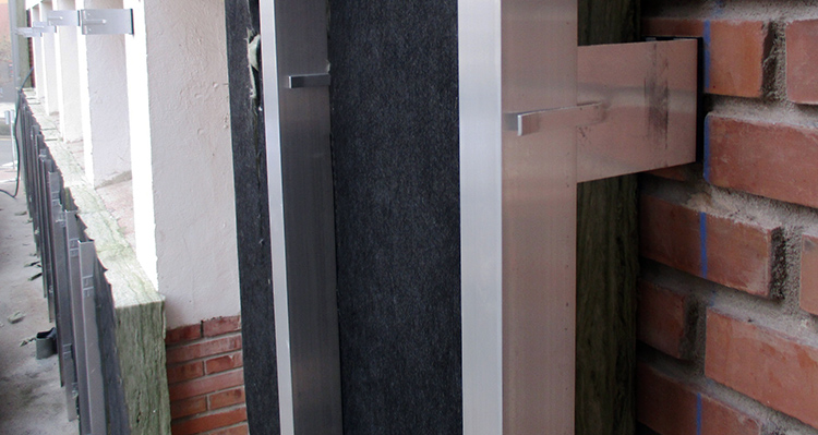 Instalados 1.000 m2 de lana mineral en la fachada ventilada del Colegio Cervantes de Burgos para reducir la demanda energética