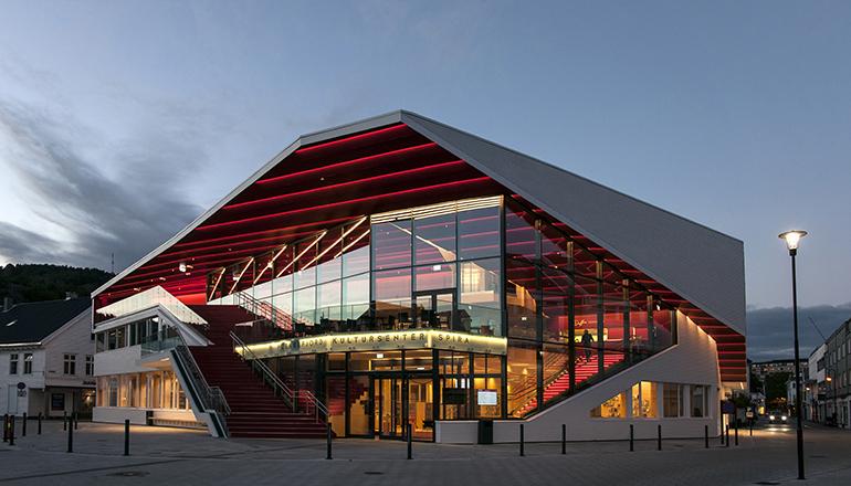 Wicona instala su fachada en un centro cultural noruego